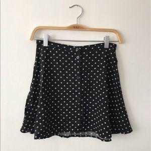 (NWOT) H&M Black & White Floral Print Mini Skirt